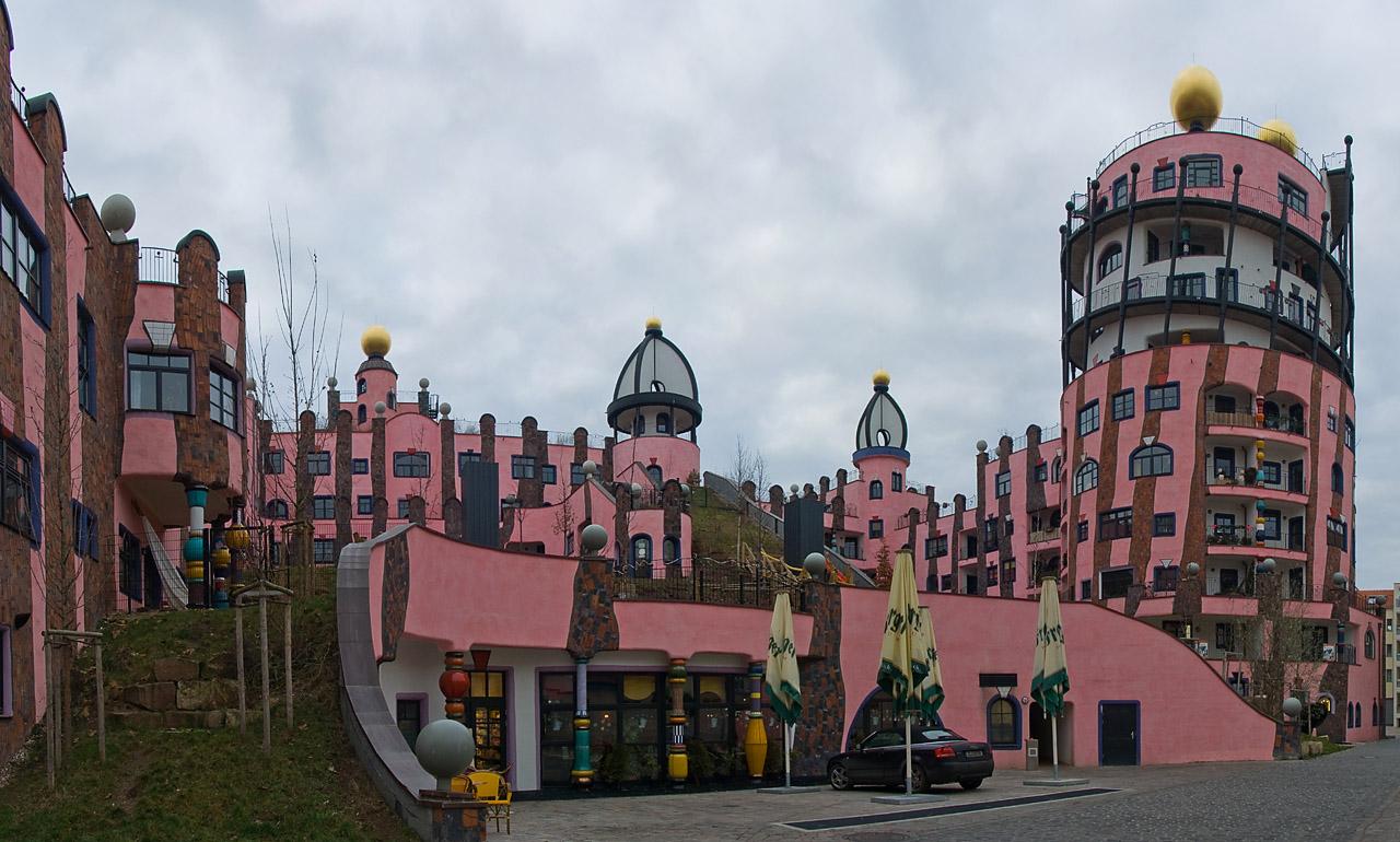 Hundertwasser magdeburg for Architecture hundertwasser